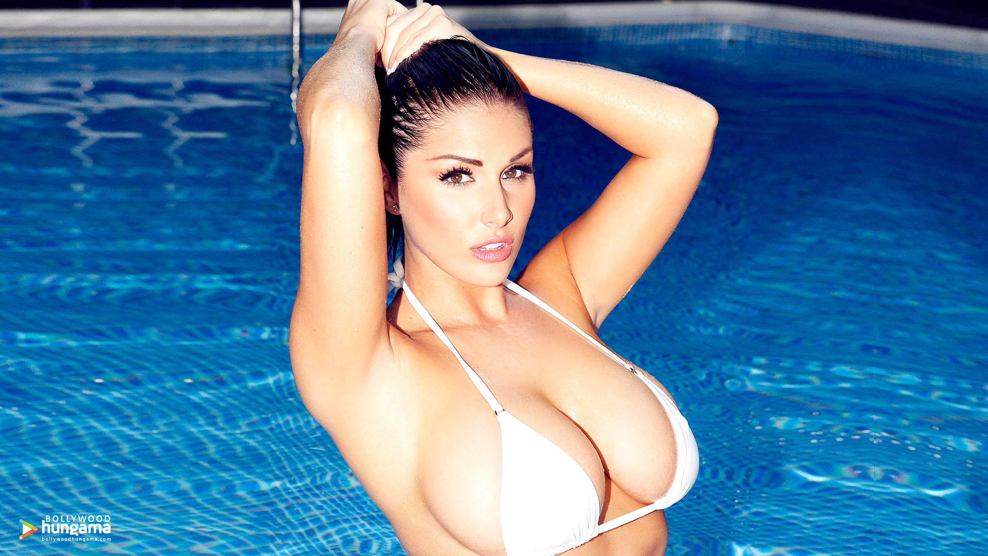 Lucy Pinder Wallpapers Lucy Pinder 5 Bollywood Hungama