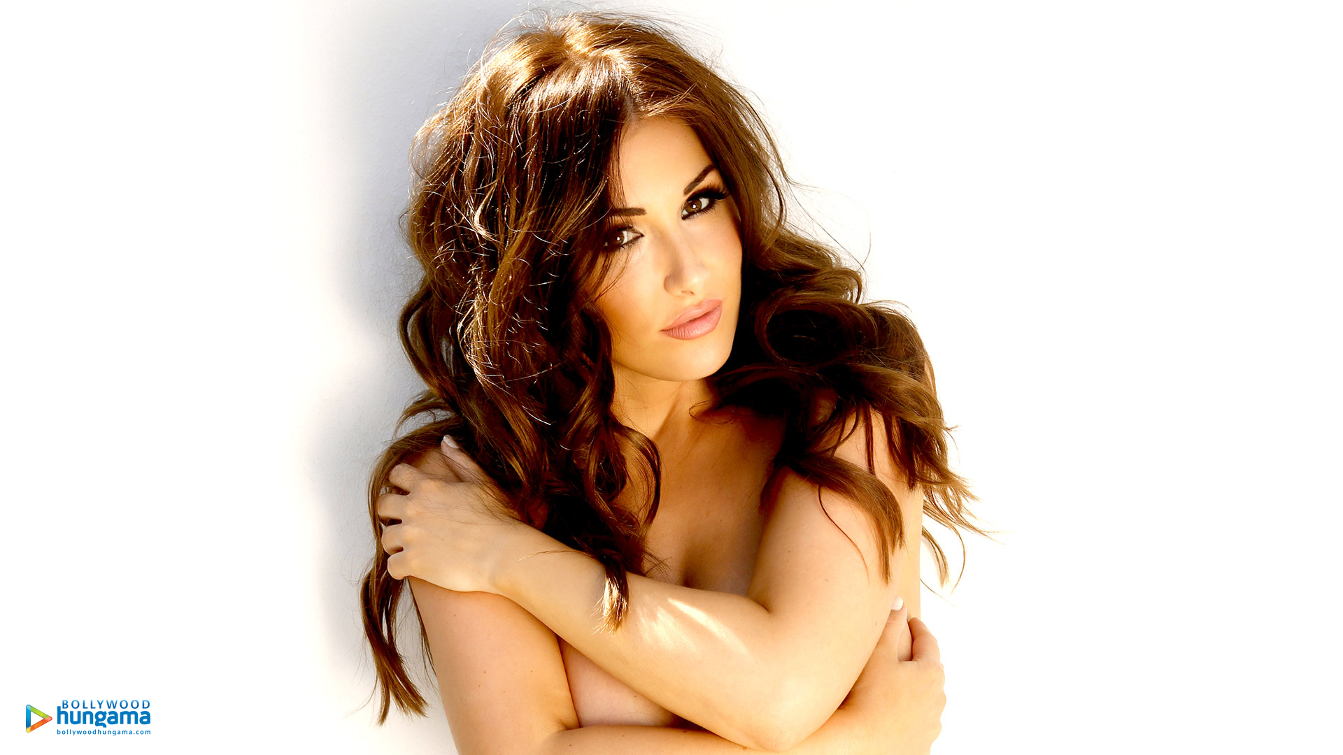 Lucy Pinder Wallpapers Lucy Pinder 6 Bollywood Hungama