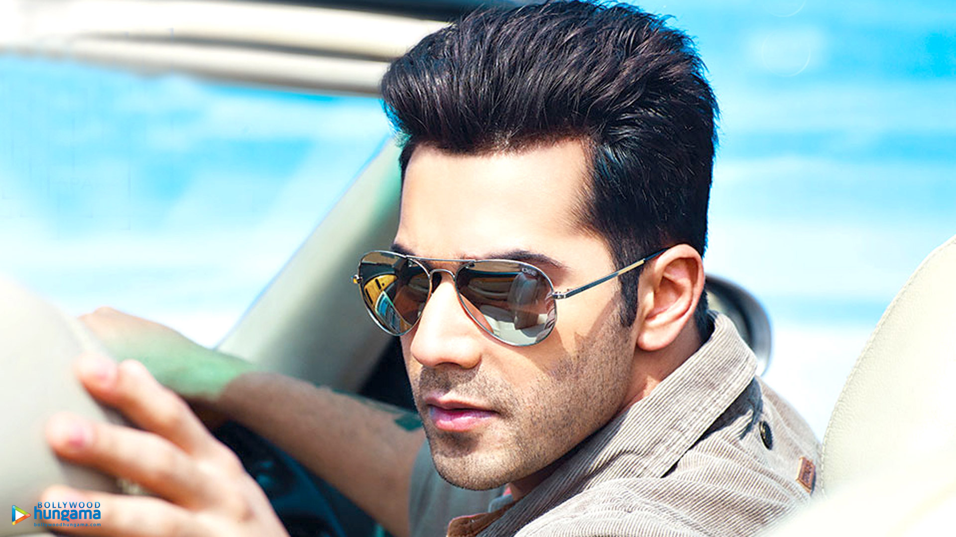 Varun Dhawan Wallpapers | varun-dhawan-31 - Bollywood Hungama