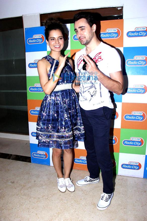 Imran Khan & Kangna Ranaut promote 'Katti Batti' on Radio City 91.1 FM