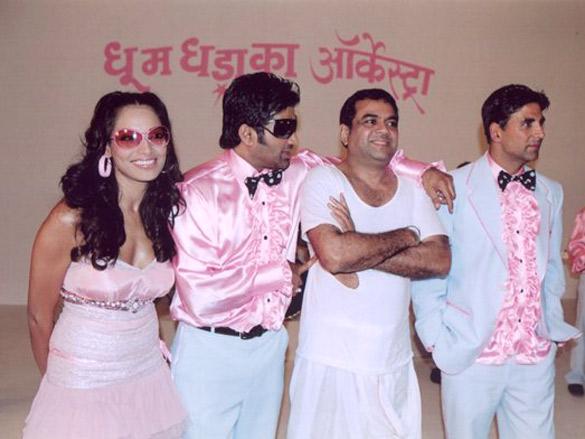 Bipasha Basu,Sunil Shetty,Paresh Rawal