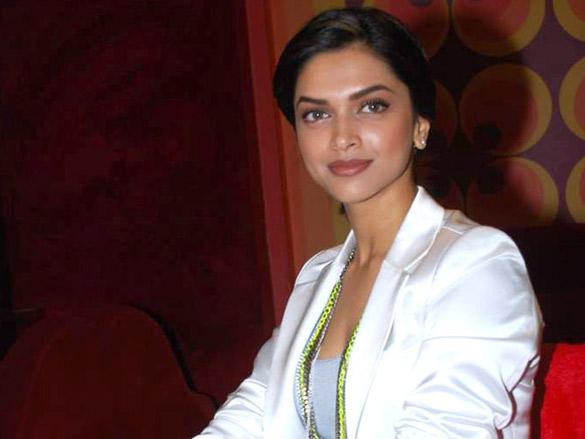 Deepika Padukone promotes 'Karthik Calling Karthik' on ...