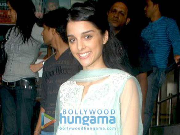 Giselle Monteiro at the press meet of Love Aaj Kal