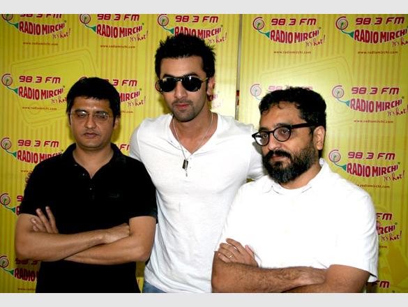 Ranbir promotes 'Rocket Singh – Salesman Of The Year' on Radio Mirchi