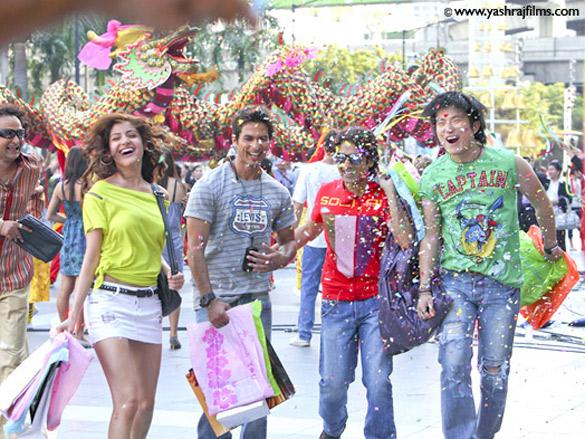 Shahid Kapoor,Anushka Sharma,Vir Das,Meiyang Chang