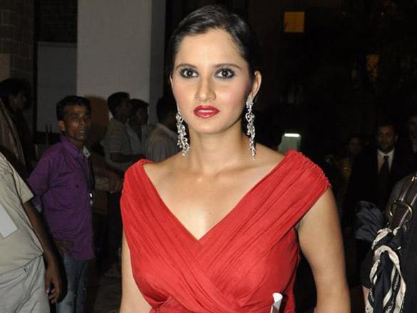 Salman, Vivek, Shahid and Sania grace Femina Miss India 2010 contest