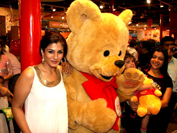 Celebs gracing 'Hamleys Toy Store' launch
