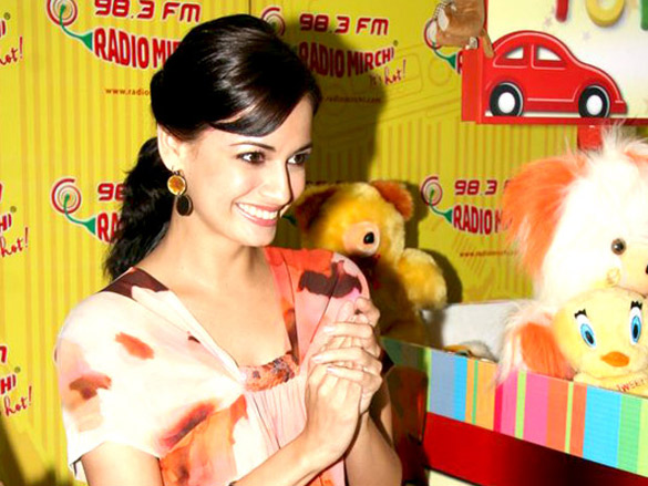 Dia Mirza celebrates 98.3 FM Radio Mirchi's 8th birthday with NGO kids