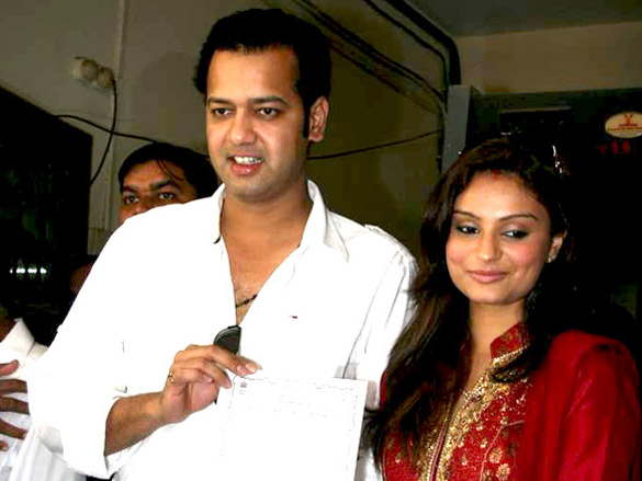 Rahul Mahajan and Dimpy get their marriage certificate