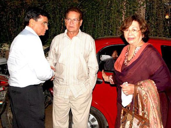 Neetu Singh, Asha Parekh and Helen watch Housefull