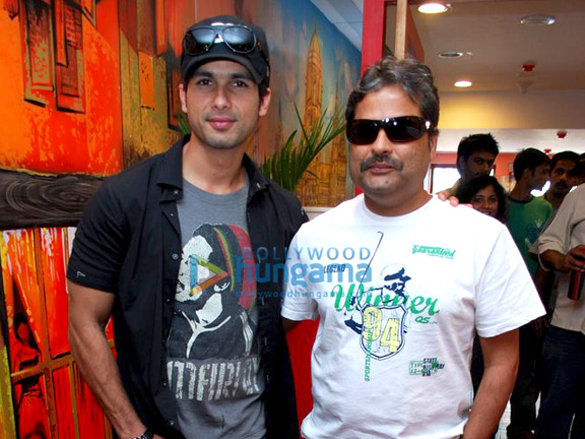 Shahid Kapoor And Vishal Promote Kaminey On Red FM