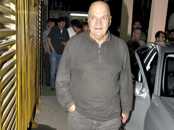 Tusshar Kapoor at 'Yamla Pagla Deewana' screening by Rumi Jaffrey