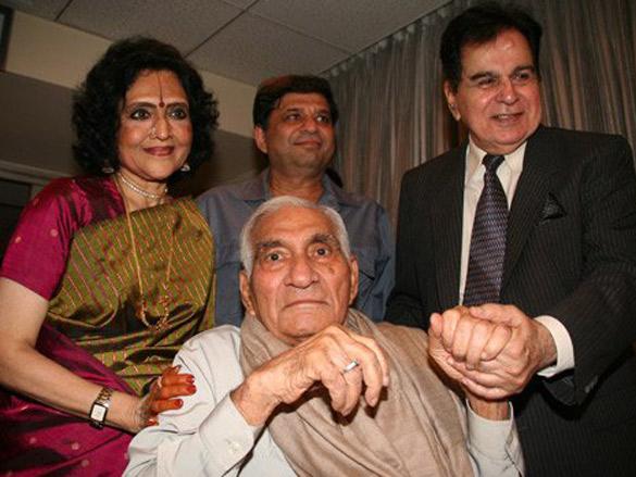 Photo Of Vyjayantimala,B R Chopra,Ravi Chopra,Dilip Kumar From The Preview Of Naya Daur