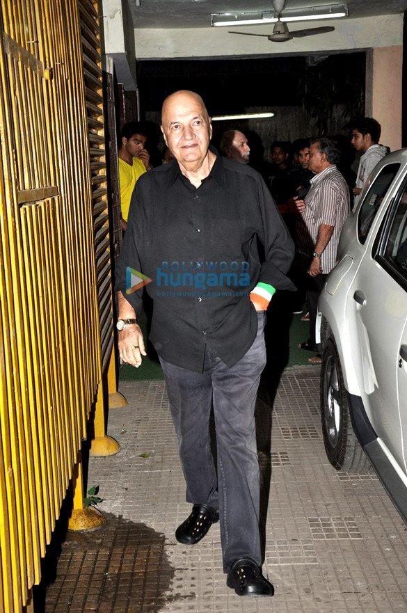 Salman Khan's family watches 'Himmatwala'