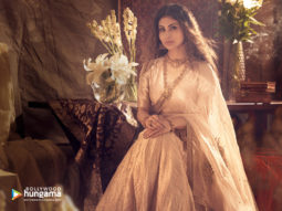 Celebrity wallpapers of Mouni Roy
