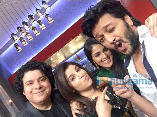 Check out: Bollywood and TV celebrities at Farah Ki Daawat