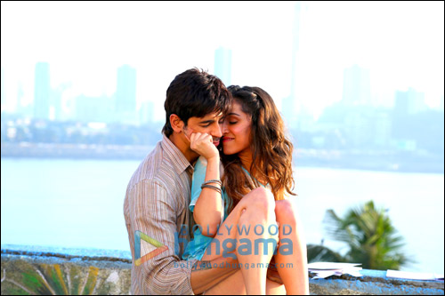 Check out: Sidharth & Shraddha in 'Galliyan' from Ek Villain