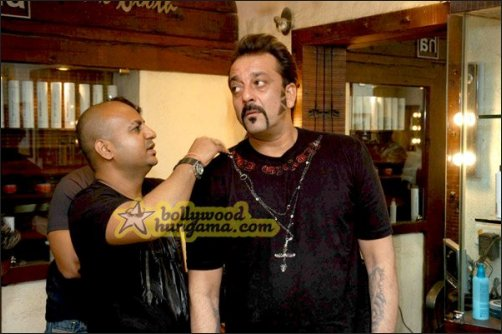 Check out: Sanjay Dutt's new stylish look in Luck