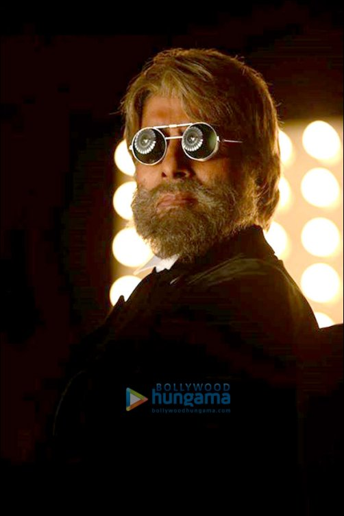 Check out: Amitabh Bachchan and Dhanush's look in Shamitabh