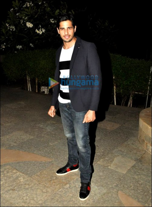 Dress Like a Star: Sidharth Malhotra