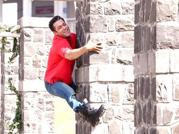 Bodyguard Movie Stills Bollywood Hungama