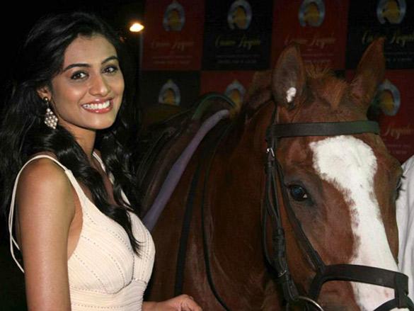Neha Hinge at Casino Royale race press meet