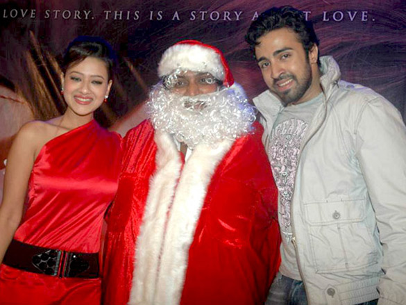 Ganesh Acharya turns Santa to promote his film 'Angel'