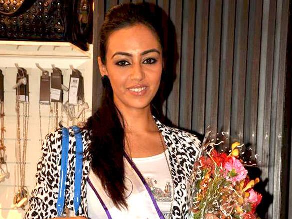 'I AM She' contestants at Vero Moda store