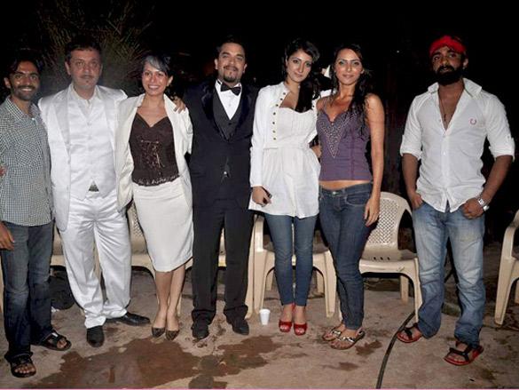 Photo Of Noor,Arfeen Khan,Delnaz Irani,Anik Singal,Alankrita Dogra,Madhurima Tuli From The Hot bikini shoots on the sets of film 'Lethal Commission'