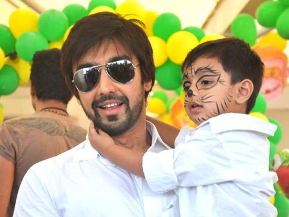 Sanjay Dutt and Manyata celebrate their children's birthday