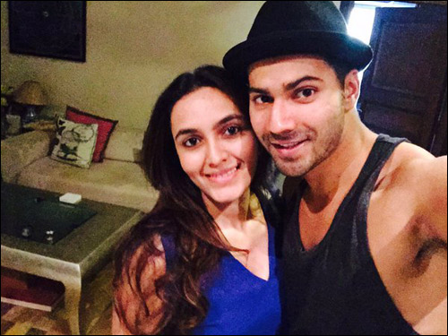 Check out: Bollywood cheers for Arjun Kapoor with Ki & Ka selfies