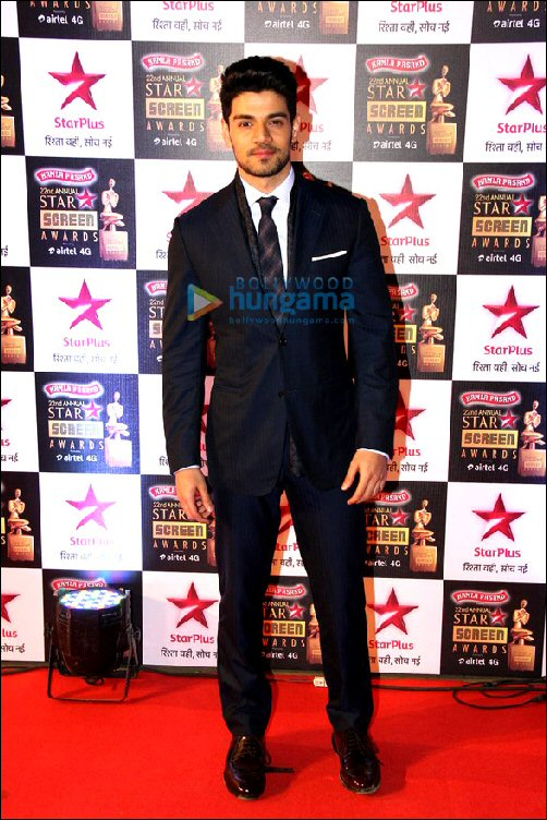 Style Check: Star Screen Awards 2016 – Male