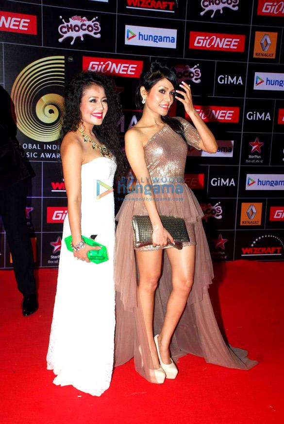 Shraddha Kapoor, Aditi Rao Hydari, Shahid Kapoor at 5th GiMA Awards 2015