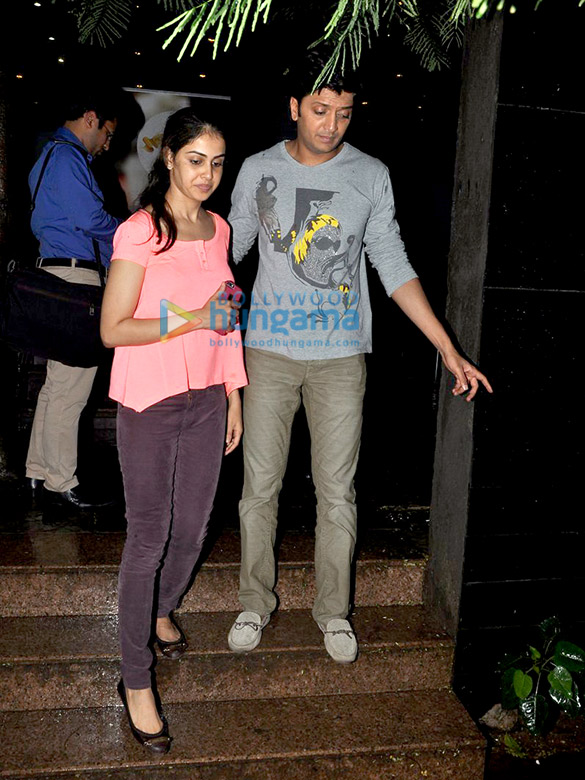 Riteish Deshmukh & Genelia Dsouza snapped at Starbucks