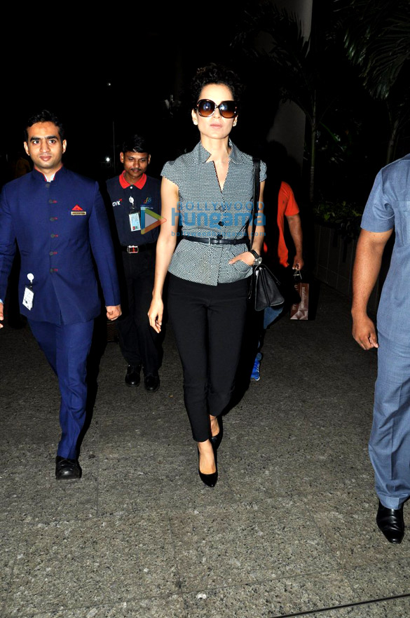 Kangna Ranuat returns after the premiere of 'Queen' in Paris