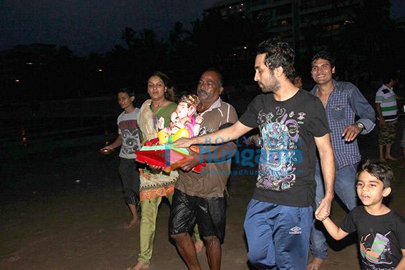Shilpa Shetty, Hrithik Roshan & Siddhant Kapoor snapped at Ganesha Visarjan