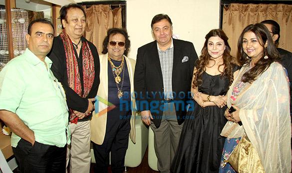 Rishi Kapoor, Jeetendra & others celebrate 50 years of Amit Kumar's music career