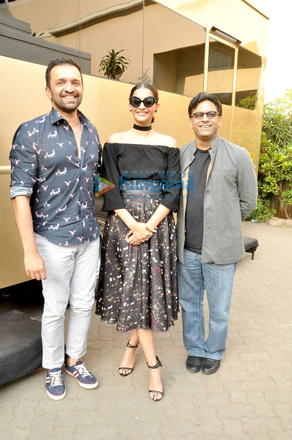 Sonam Kapoor snapped during 'Neerja' promotions