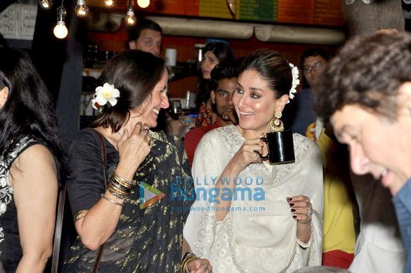 Saif Ali Khan, Kareena Kapoor Khan, Karisma Kapoor, Shashi Kapoor & Randhir Kapoor grace Zakir Hussain's concert at Prithvi Theatre