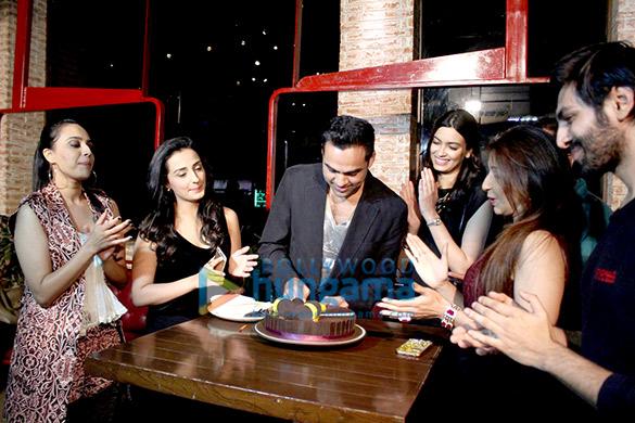 Wrap up bash of 'Happy Bhaag Jayegi' & Abhay Deol's birthday bash