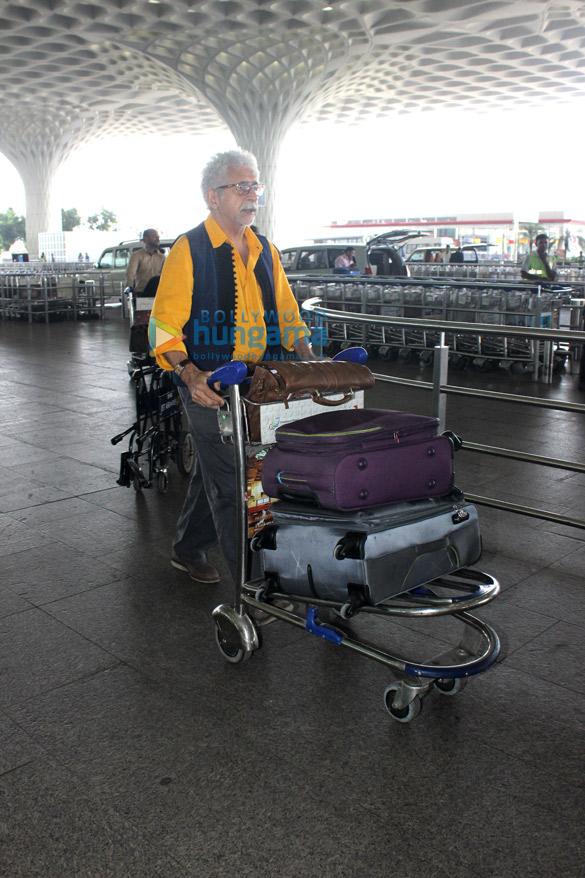 Naseeruddin Shah & Aftab Shivdasani snapped at the international airport