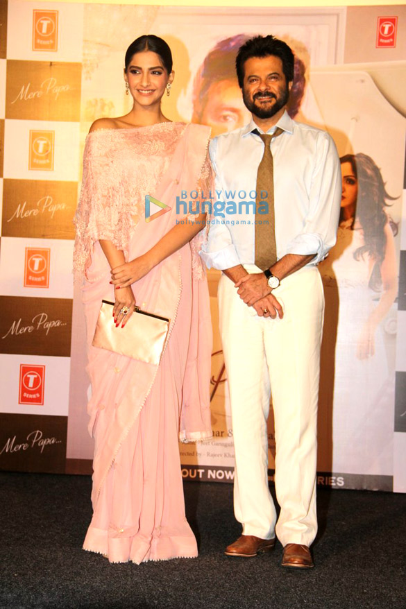 Anil Kapoor & Sonam Kapoor grace the launch of music video 'Mere Papa'