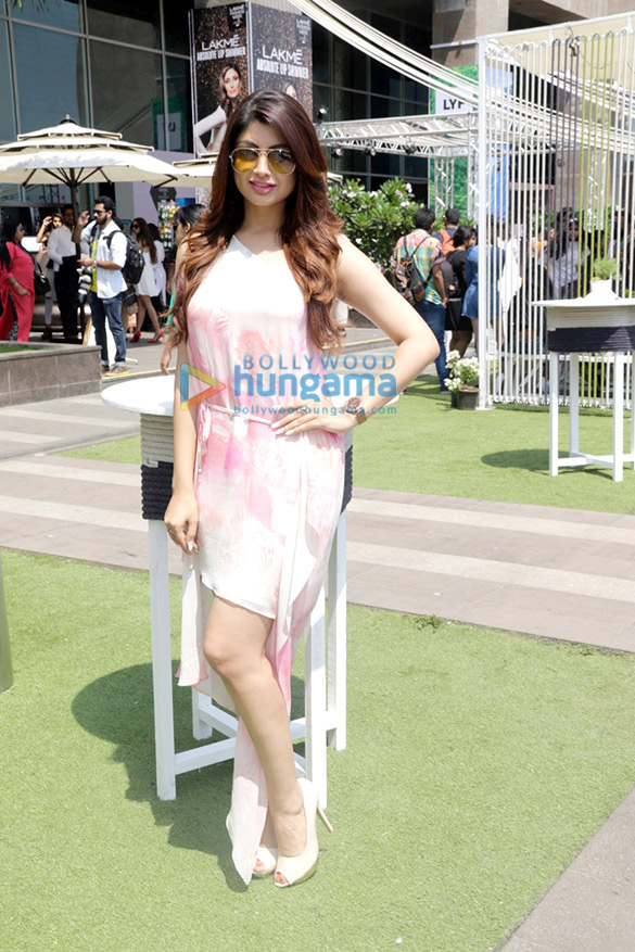 Celebs attend the LFW 2016 on Day 3