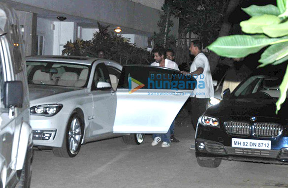 Shah Rukh Khan snapped at Jai & Juhi Chawla's house