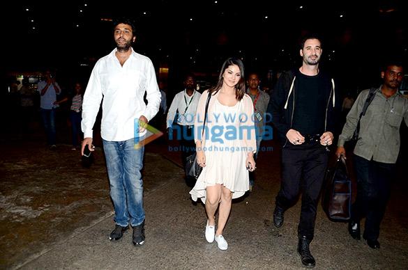 Sunny Leone & Allu Arjun snapped at the international airport