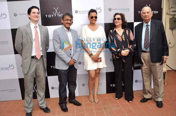Sonakshi & Milan grace the Sir HM Mehta trophy