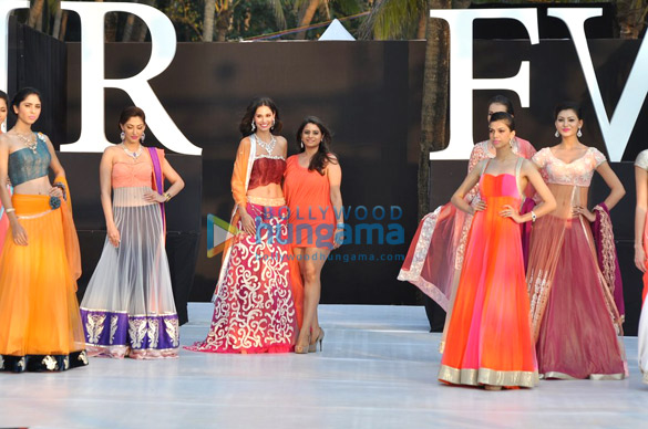 Shouger Merchant Doshi's show at India Resort Fashion Week 2012