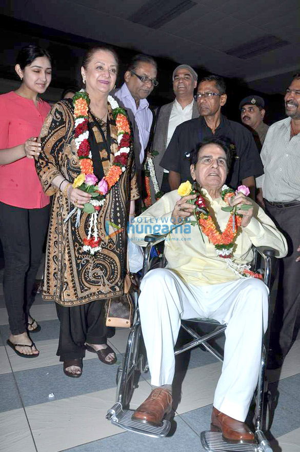 Dilip Kumar returns from Mecca
