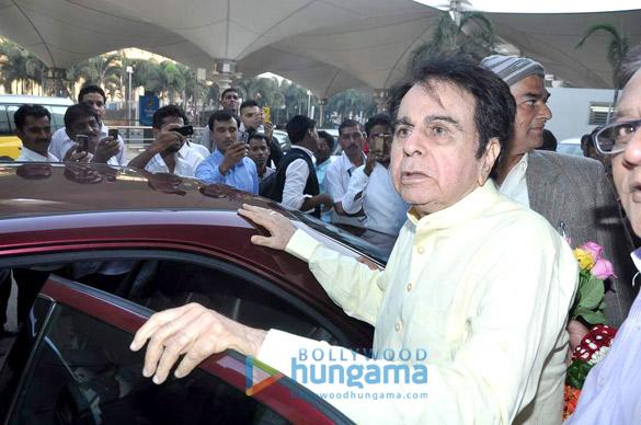 Dilip Kumar returns from Mecca