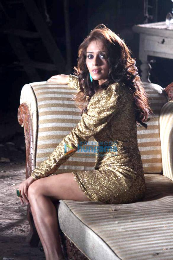 Abhijeet Sawant & Amruta Khanvilkar shoot for their new album 'Farida'